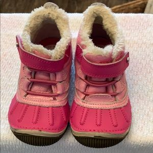 Stride rite snow boot size 6 youth